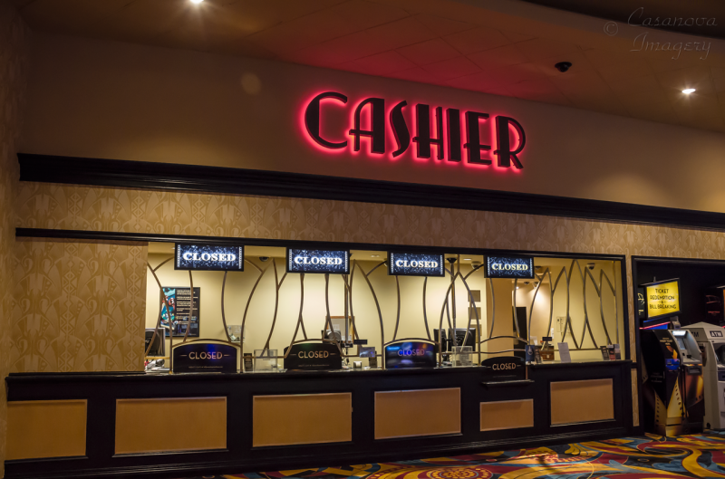 how to successfully handle cash at a casino
